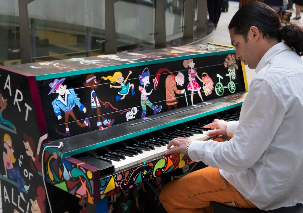 Pianist without Borders